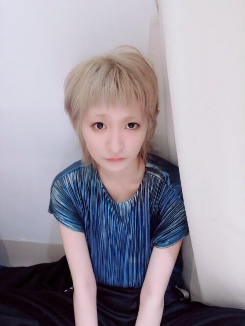 リンリン金髪